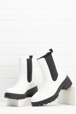 give me a lug boots