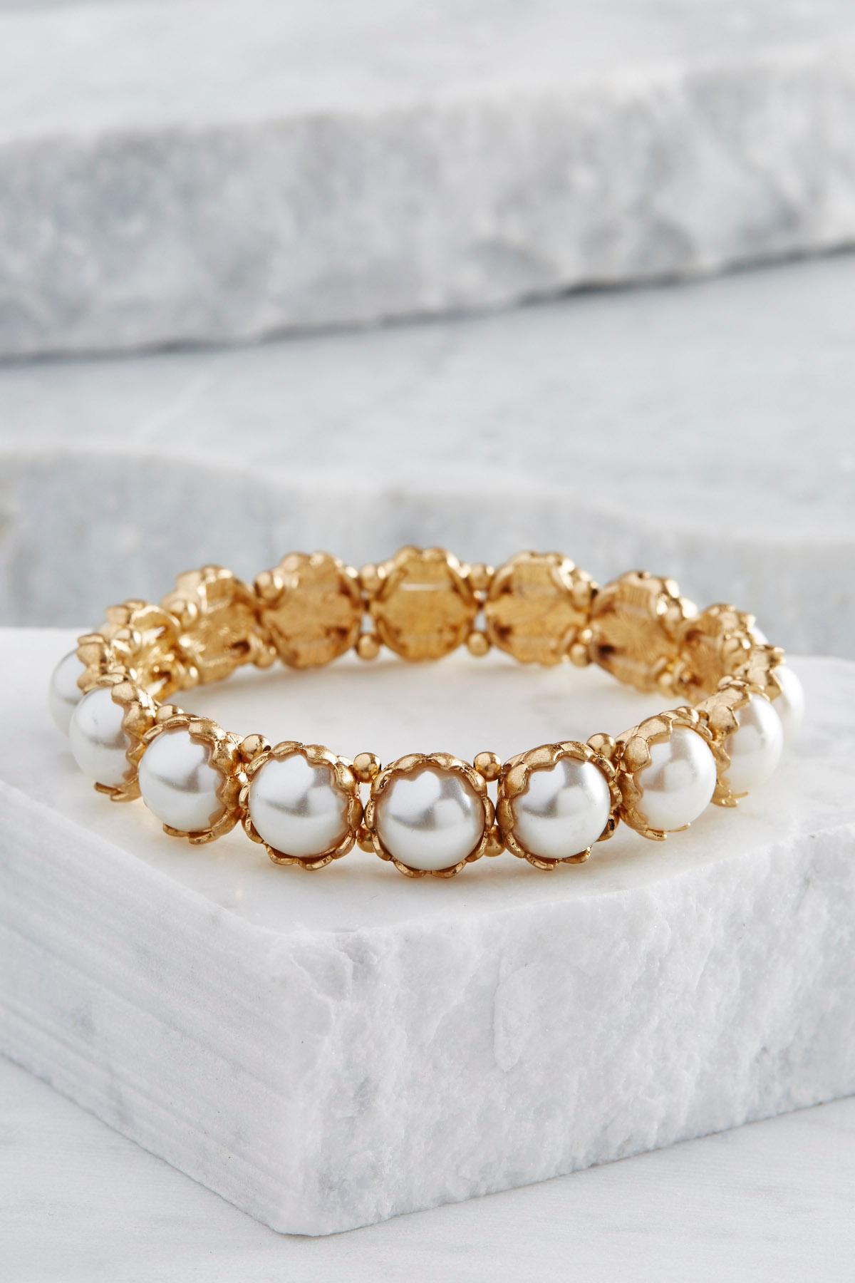 Crowned Pearl Stretch Bracelet