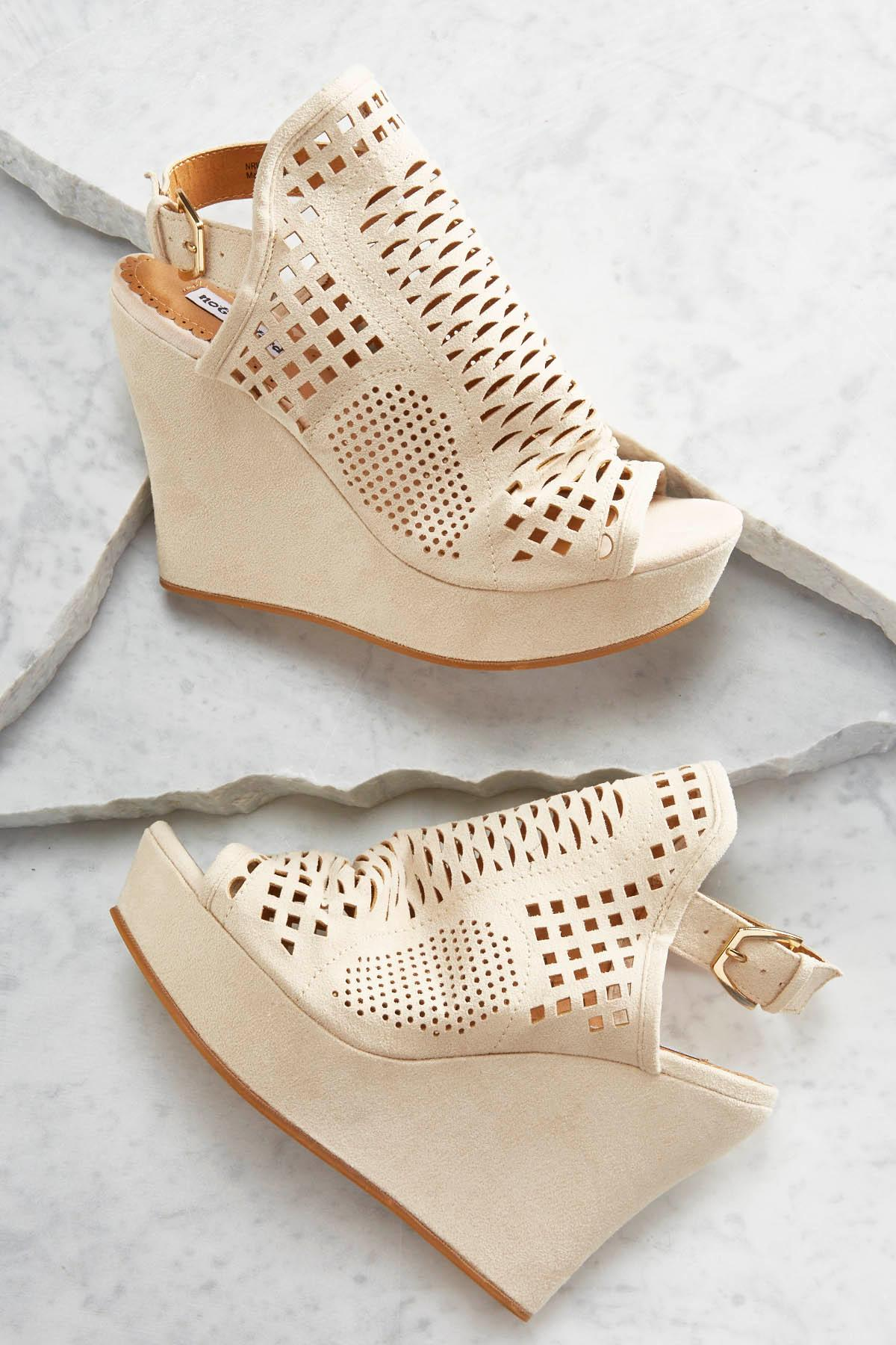 Perforated Hooded Wedges
