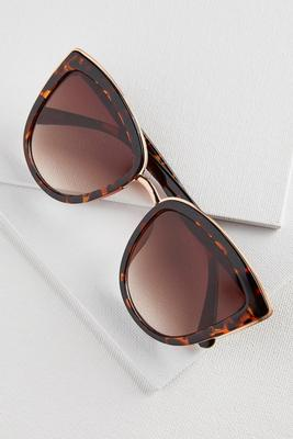 metal trim cateye sunglasses