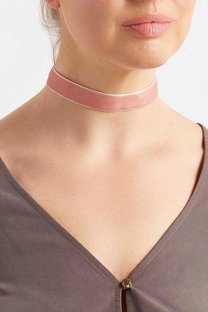 Velvet Ribbon Choker