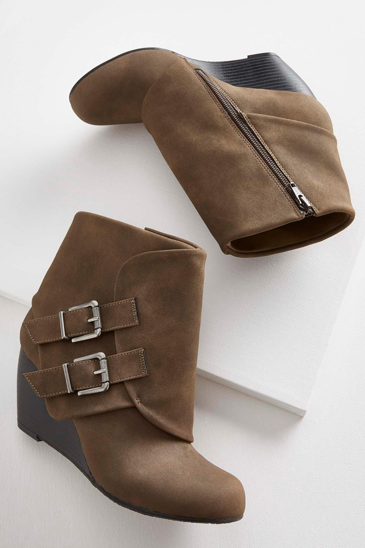Hooded Buckle Wedges