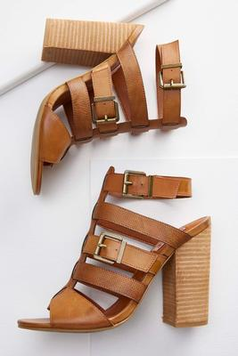 textured woven strap shooties