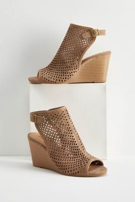 perforated peep toe wedges