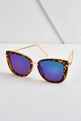 tortoise shell cateye sunglasses