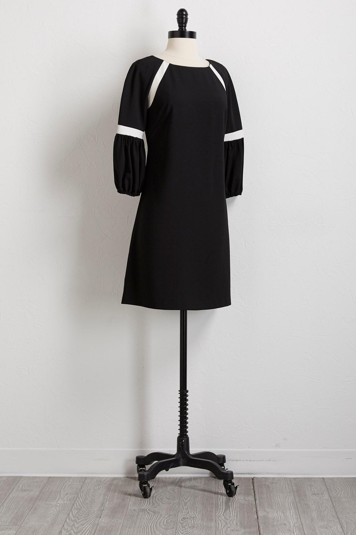 Colorblock Bell Sleeve Shift Dress