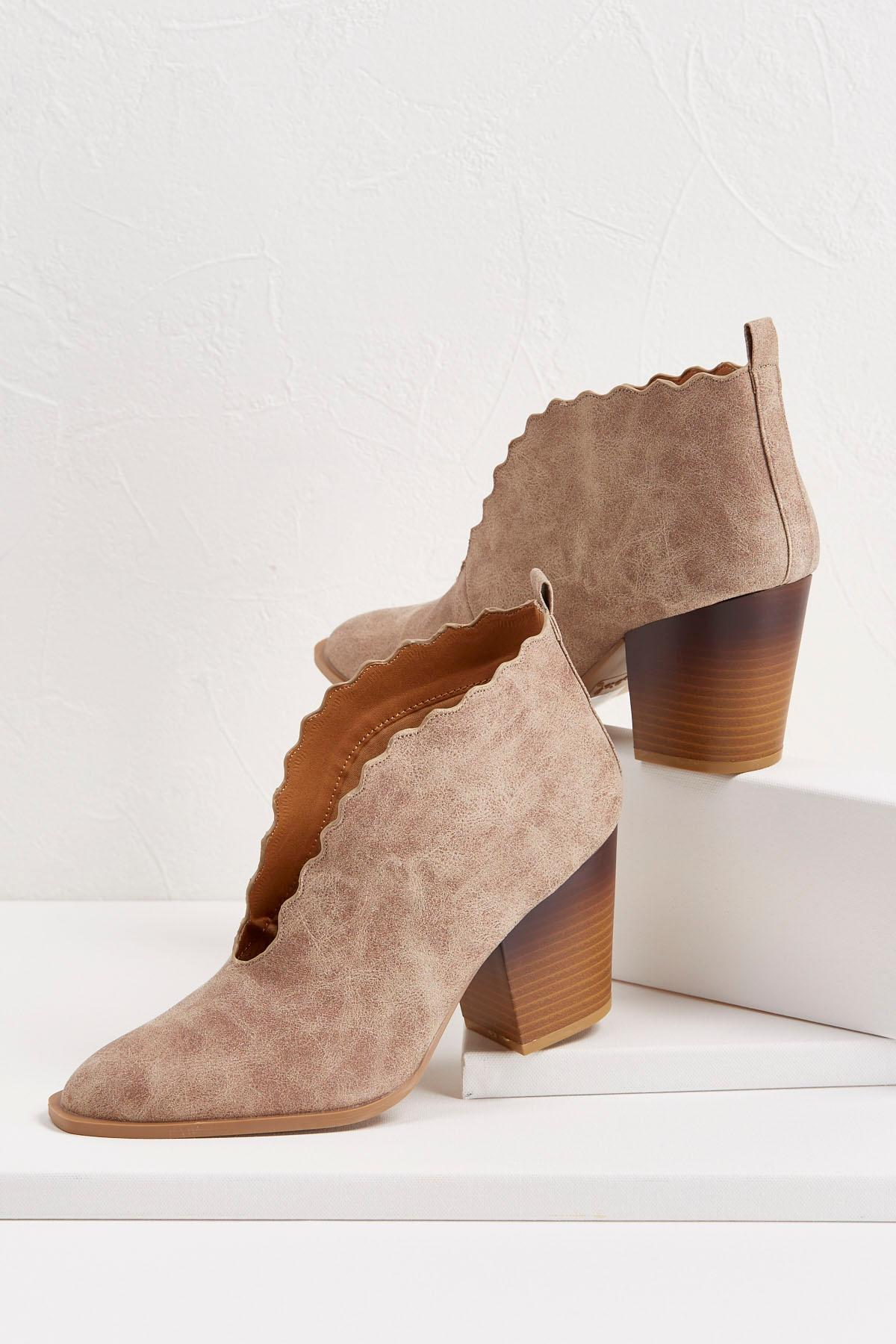 scalloped western shooties