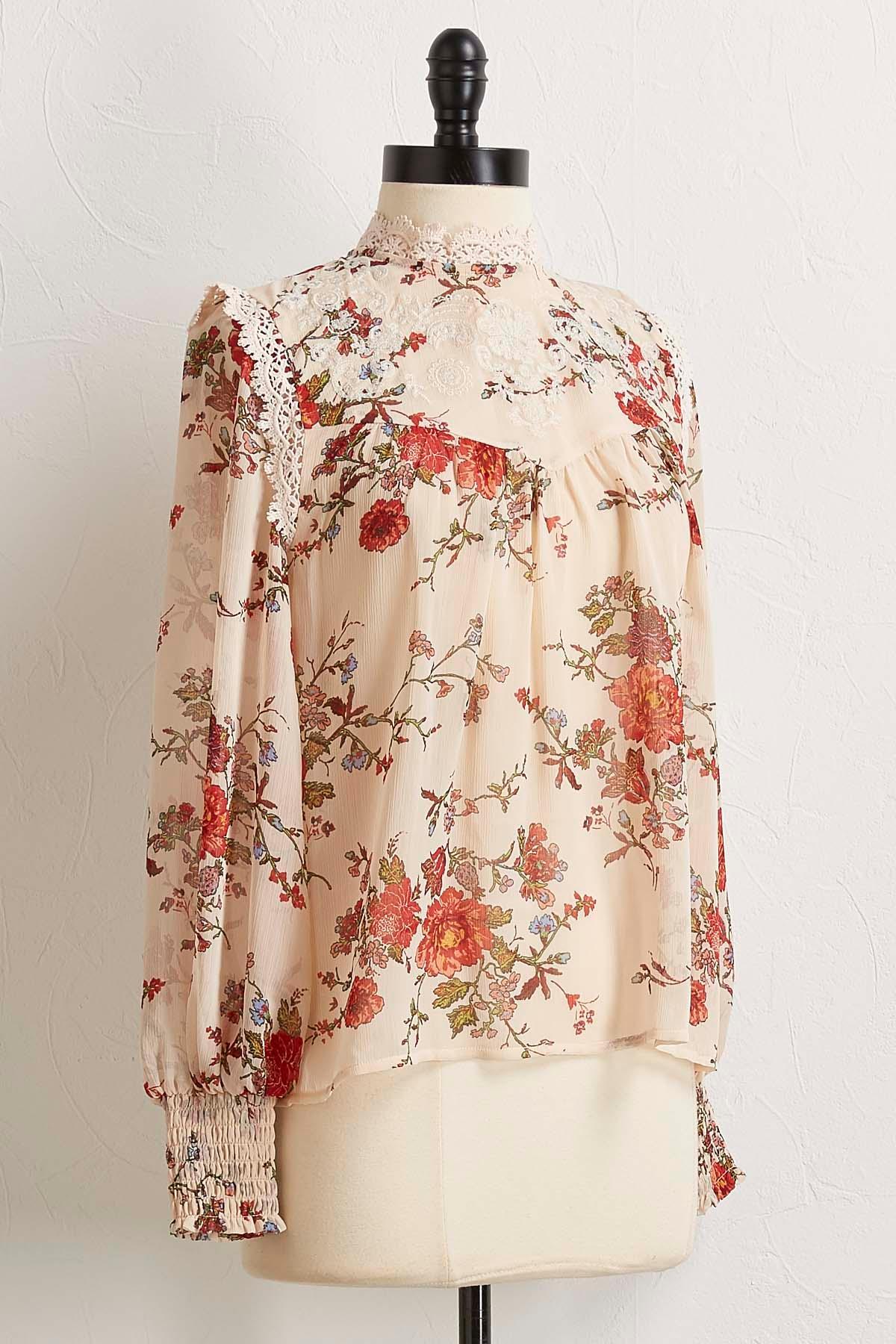 Vintage Floral Lace Trim Top