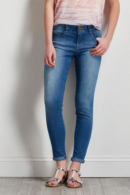 shape enhancing ankle jeans