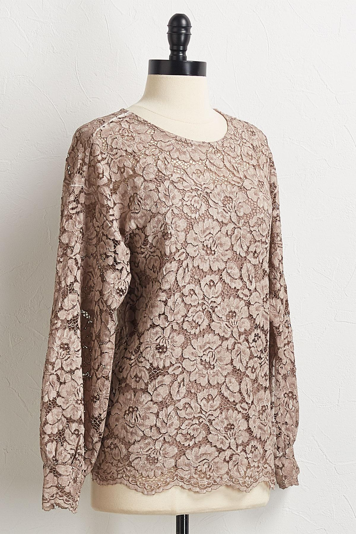 Scalloped Floral Lace Top