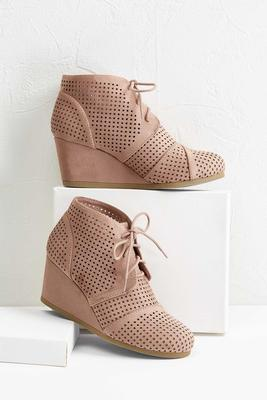 perforated wedge shooties