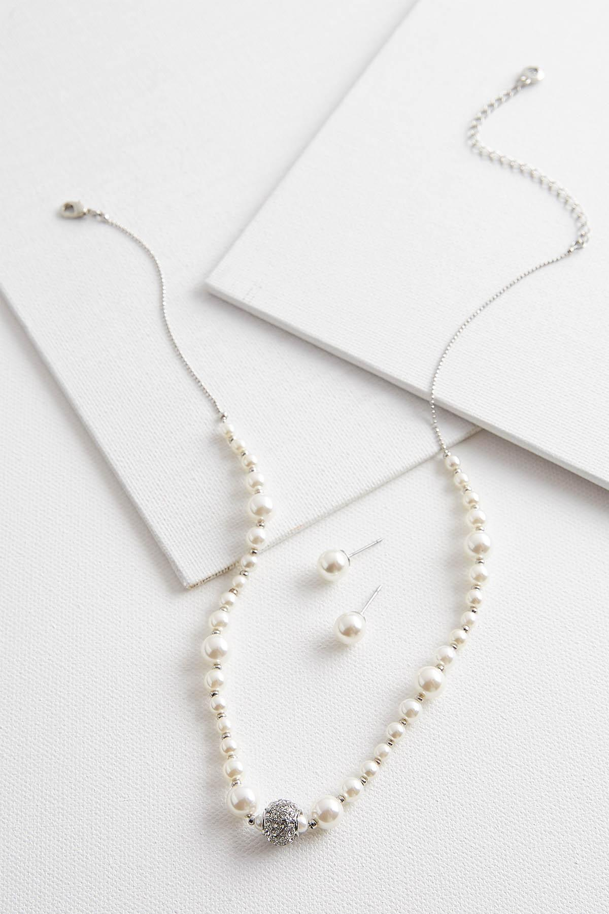 Classic Pearl Necklace Set