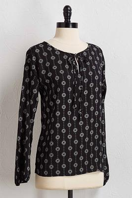 black and white medallion top