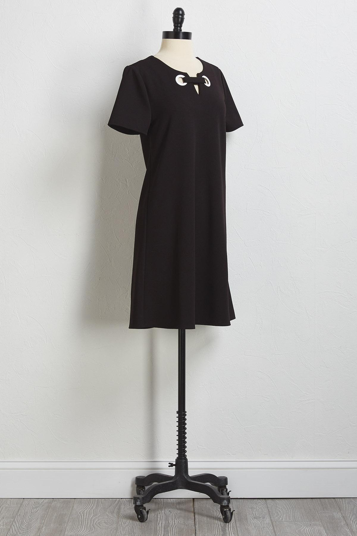 Double- Ring Notched Shift Dress