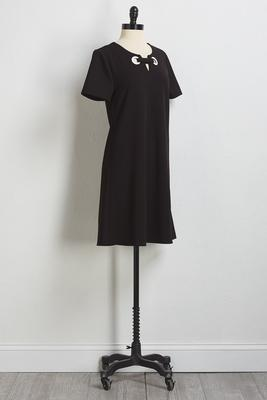 double-ring notched shift dress