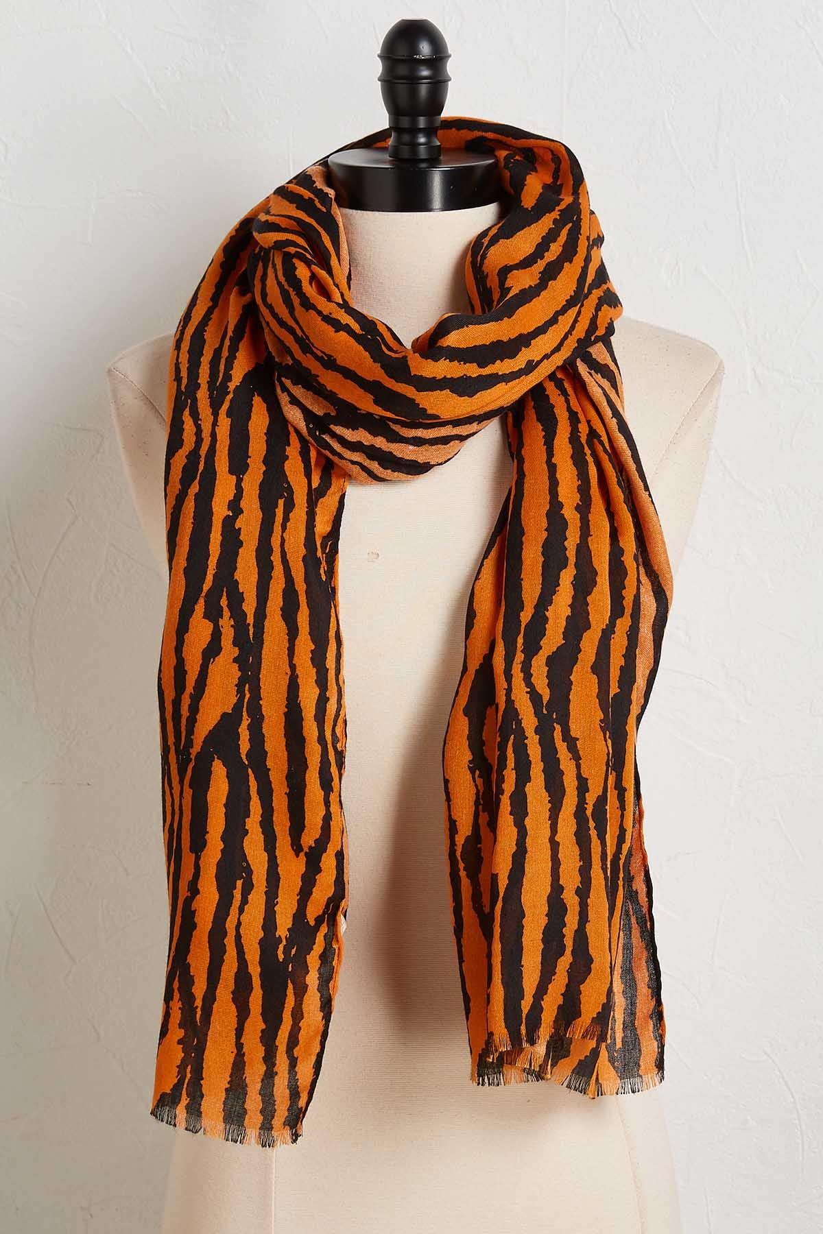 Kiss And Tail Scarf