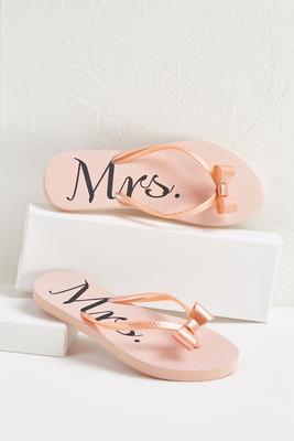 mrs bow flip-flops