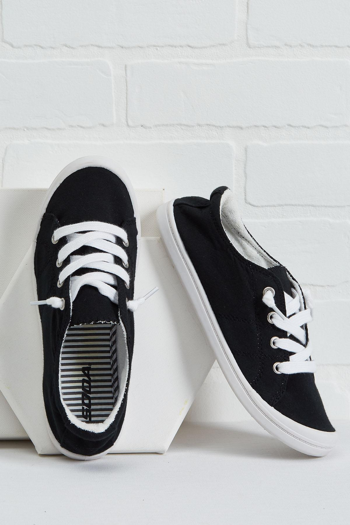 Versona | lightweight lace up sneakers