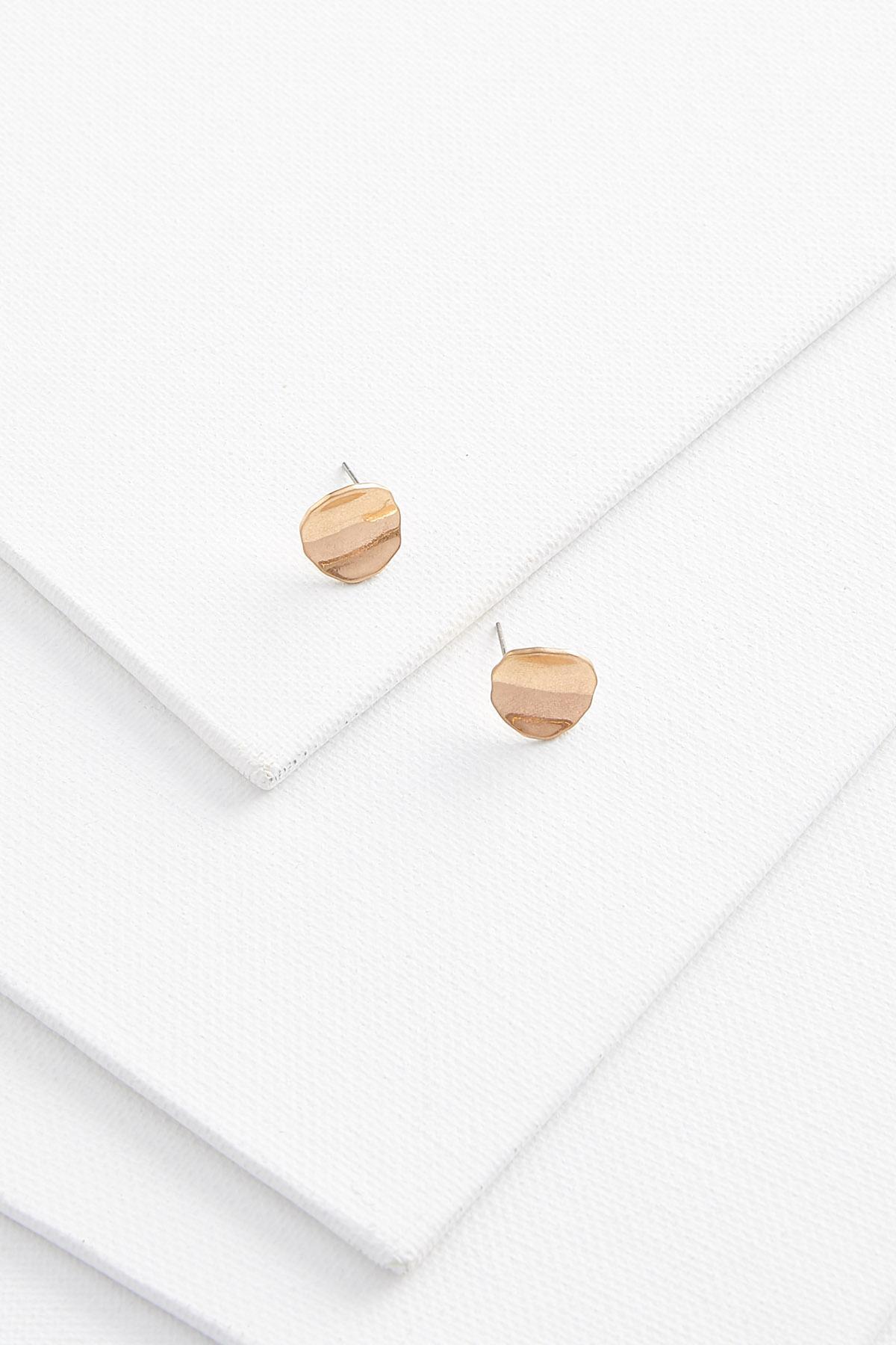 Wavy Stud Earrings