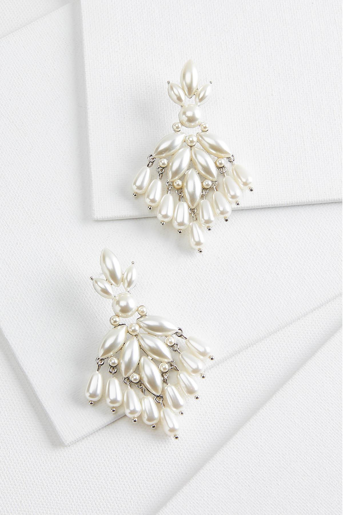 Pretty Pearl Shaky Earrings