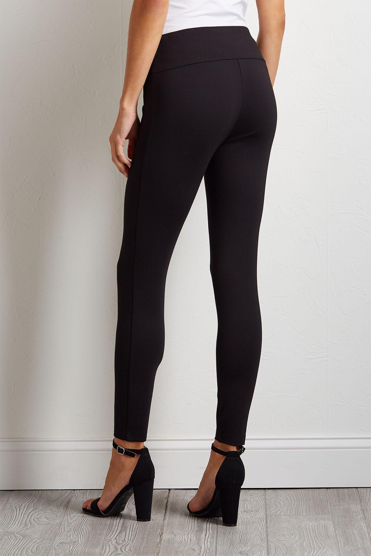 Pull- On Button Embellished Leggings