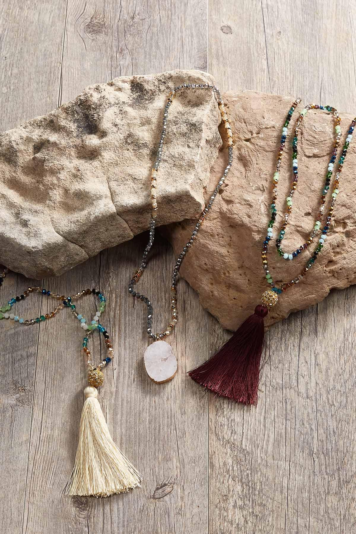 Druzy Pendant Beaded Necklace