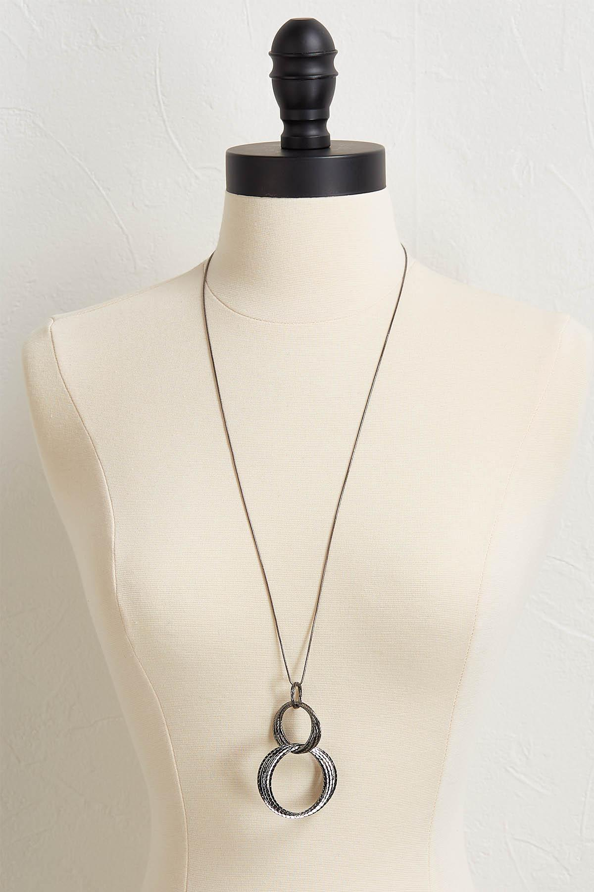 Textured Linked Ring Necklace
