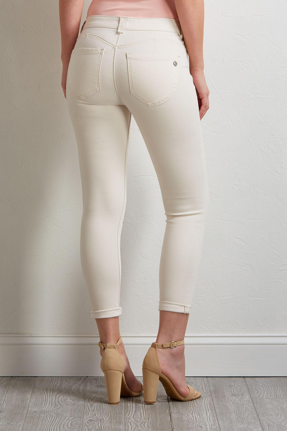 Shape Enhancing Skimmer Pants