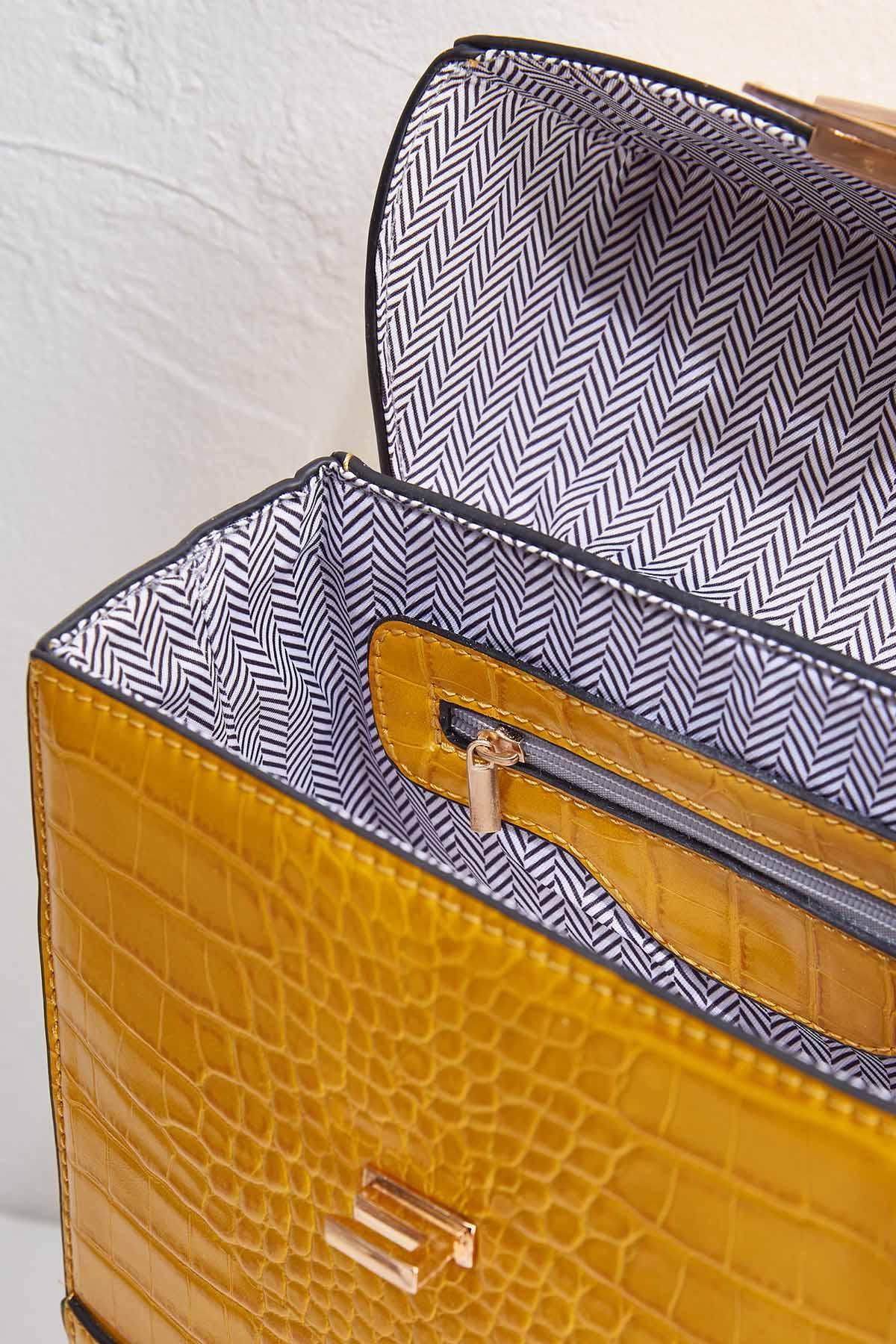 Croco Textured Box Bag