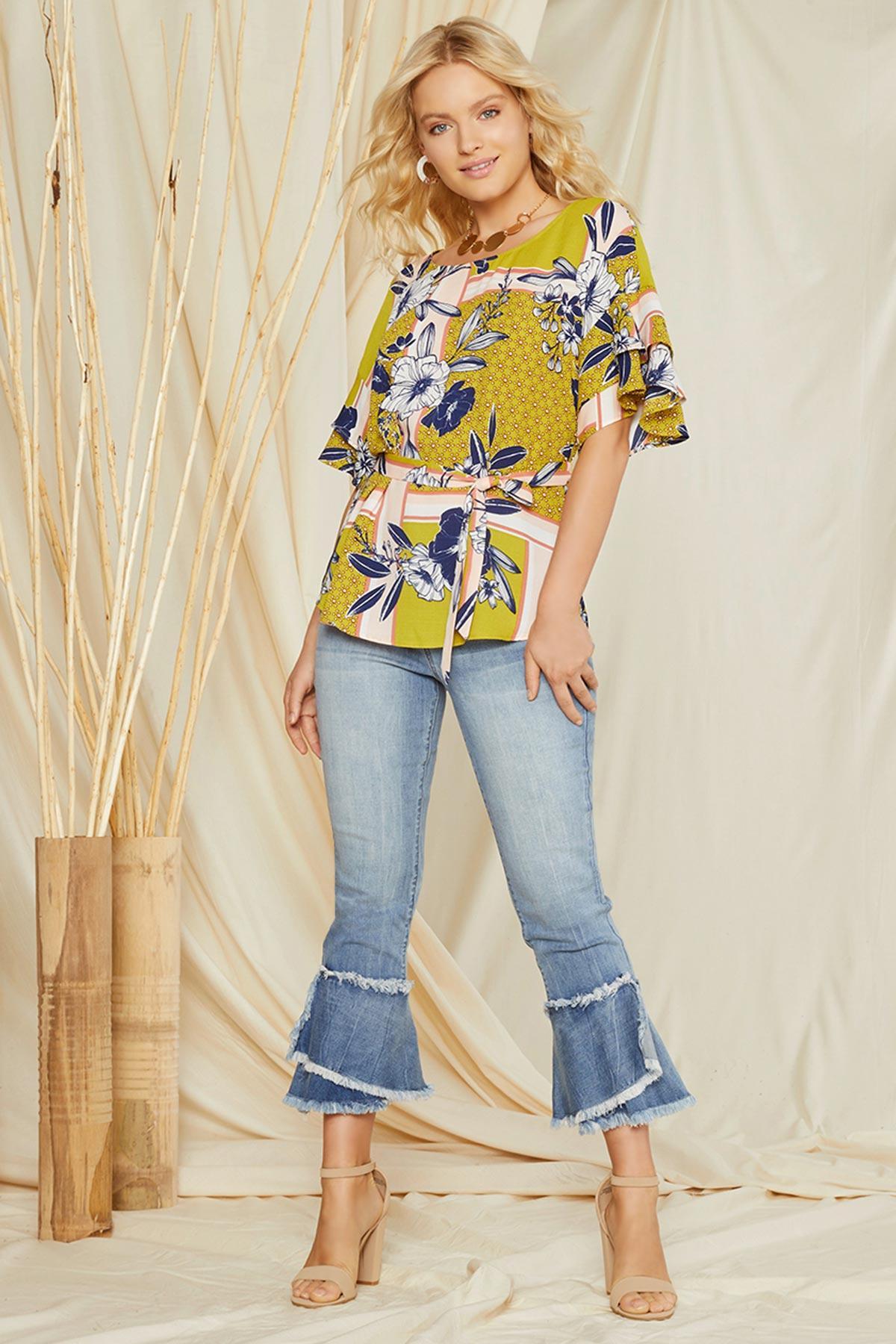 68636d3ec6e402 Versona | ruffled floral tie waist top