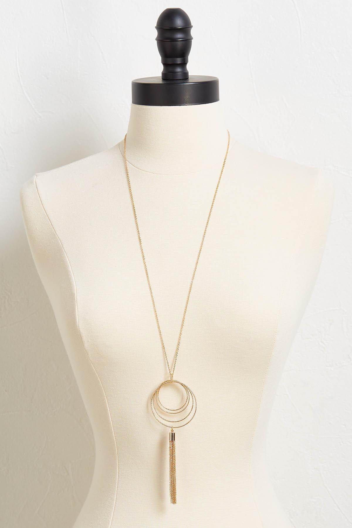 Metal Tasseled Circle Necklace