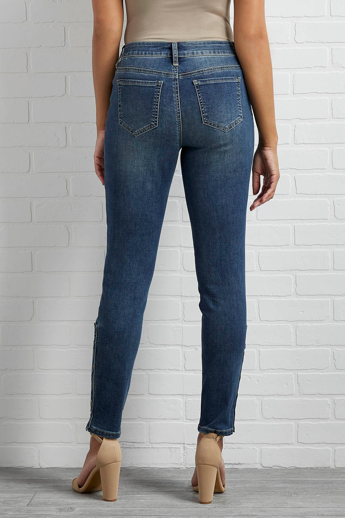 Cute As A Button Ankle Jeans