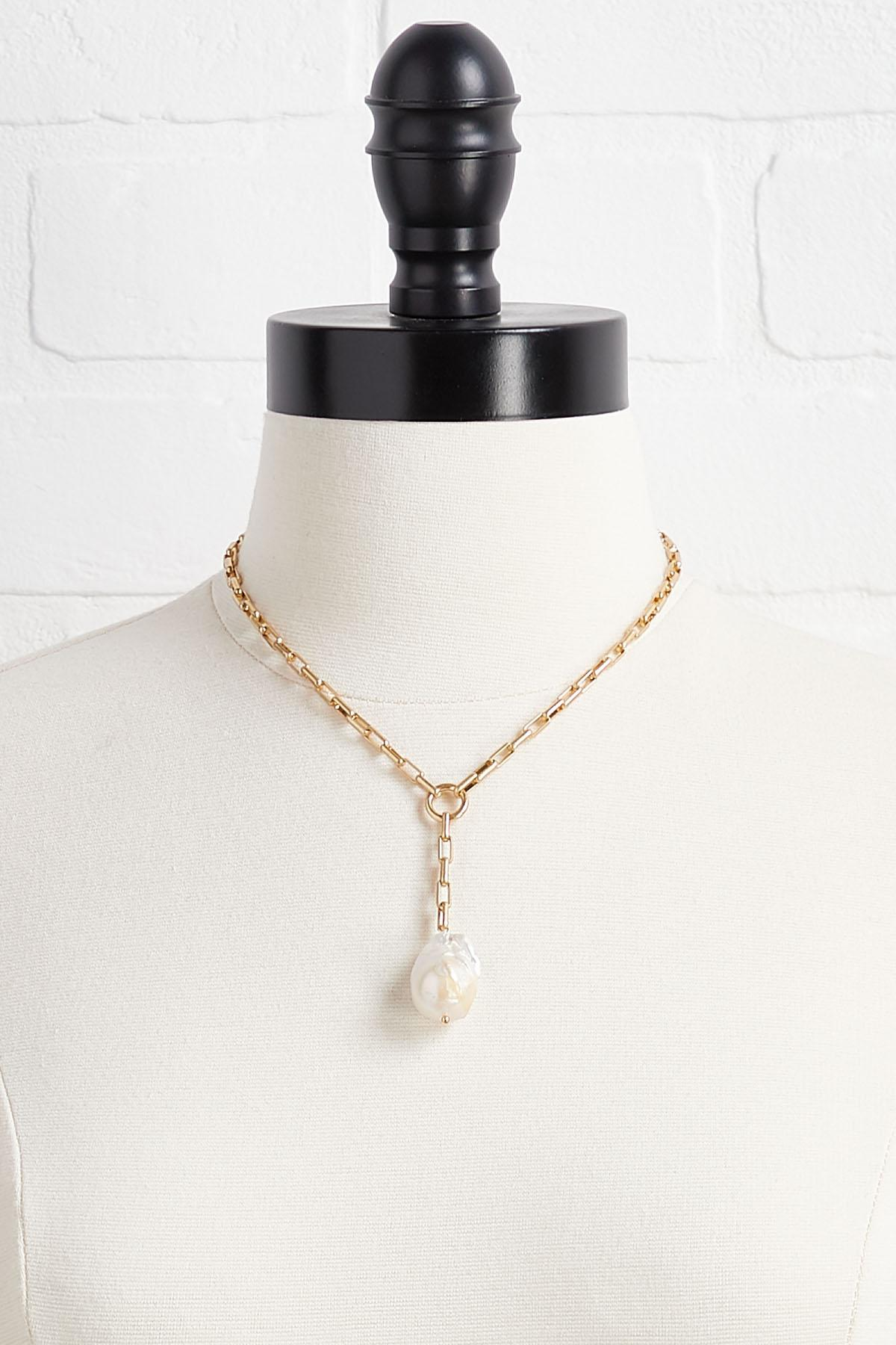 Pearly Shell Y- Necklace