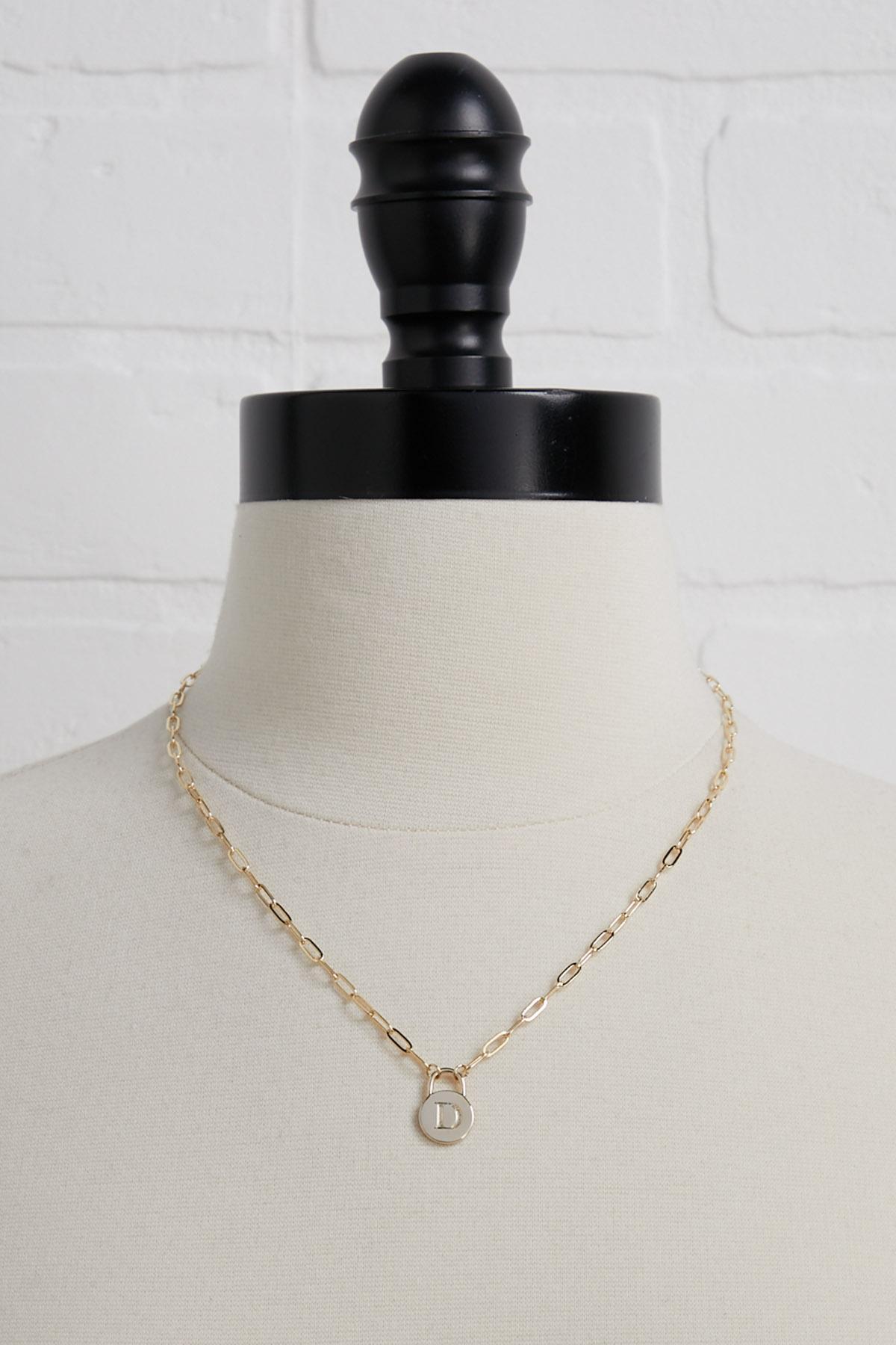 18k D Pendant Necklace