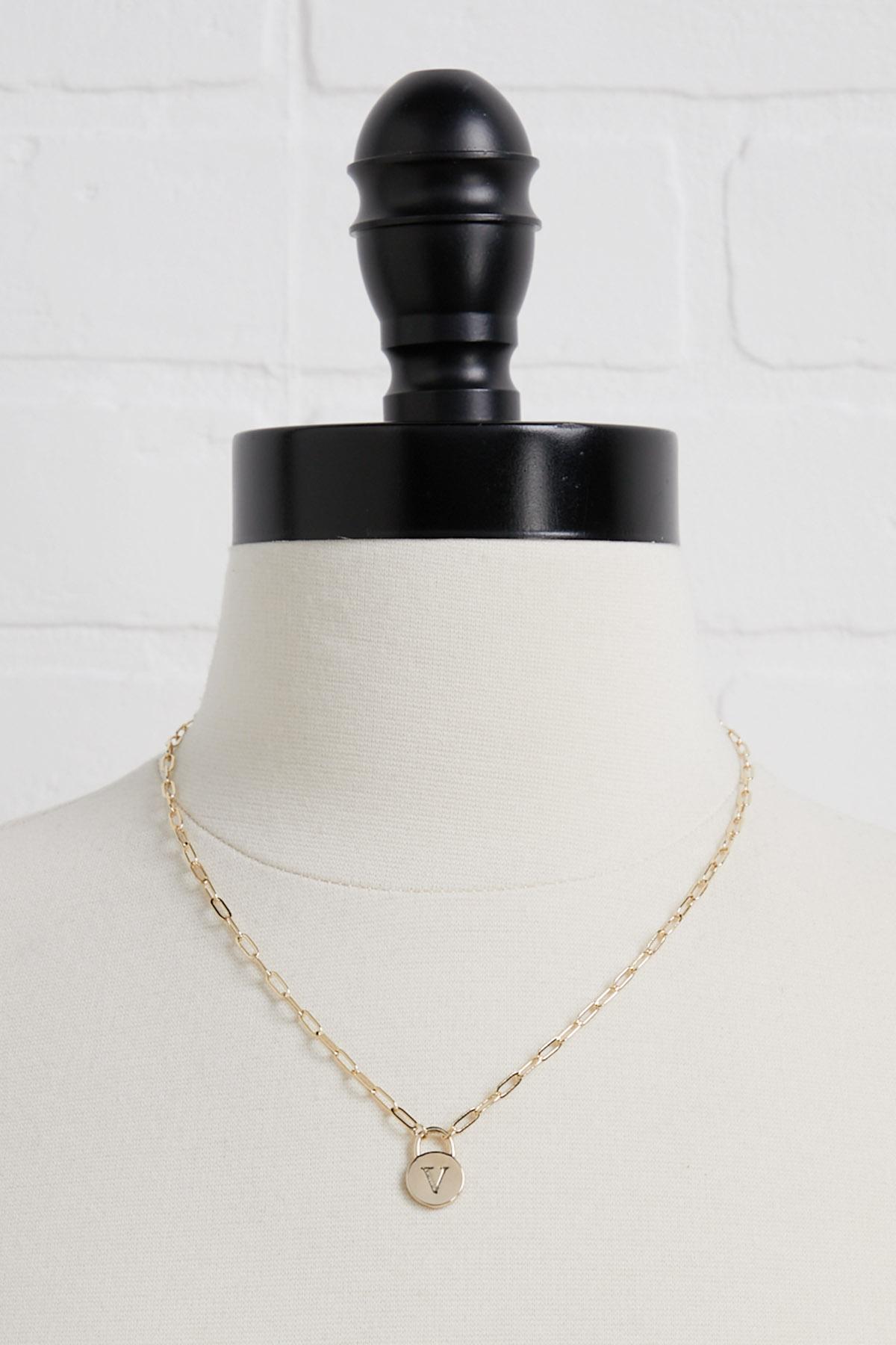 18k V Pendant Necklace